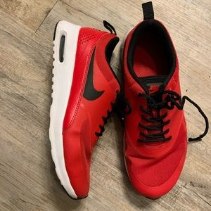 🚨LAST CHANCE LIKE NEW RARE red Nike shoes!!